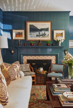 Design Crush: Brittany Bromley Interiors - The Glam Pad Interior Styling, Interior Decorating, Interior Design Chicago, Cozy Library, Library Ideas, Blue Paint Colors, Pretty Room, Living Room Designs, Living Rooms