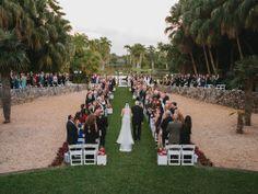Christmas Themed Wedding at Fairchild Tropical Botanic Garden with @Robert Madrid | via themajesticvision.com