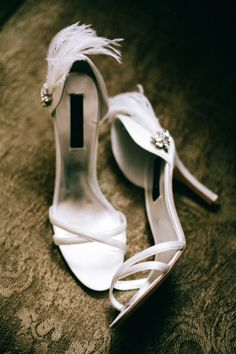 Feather bridal shoes