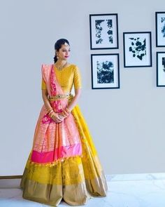 When you have Banarasi silk lehenga, you don't need too much else! And these latest Banarasi lehenga designs are going to prove just that! Mehendi Outfits, Indian Bridal Outfits, Indian Bridal Fashion, Indian Designer Outfits, Pakistani Outfits, Lehenga Saree Design, Half Saree Lehenga, Lehnga Dress, Lehenga Gown
