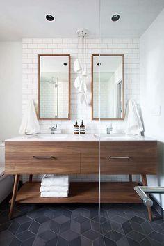 Midcentury modern bathroom /