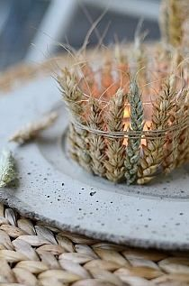 Puristic table decorations in winter - 70 stylish decoration ideas that everyone will succeed collect natural materials for the autumn table decorationThe rigid gear manufacturer breathes new life into old bicycles # rigid gear Decoration Christmas, Fall Decor, Diy Décoration, Diy Crafts, Pot Pourri, Deco Nature, Autumn Table, Ears Of Corn, Fall Candles