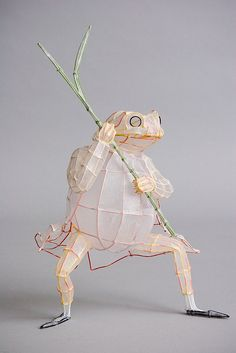 wire and paper sculpture - Jeremy Fisher by Polly Verity of polyscene, via Flickr