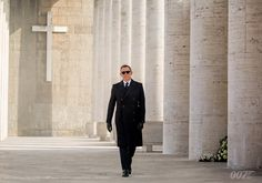 Daniel Craig is such and amazing James bond 007 Daniel Craig James Bond, James Bond 25, James Bond Style, Spectre Movie, Spectre 2015, Daniel Graig, Sam Mendes, Video Background, Columbia Pictures