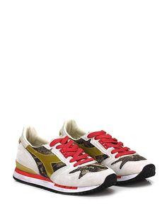 DIADORA Heritage - Sneakers - Donna - Sneaker in camoscio, tessuto tecnico forato con suola in gomma, tacco 25, platform 15 con battuta 10. - PERLA\GOLD - € 170.00
