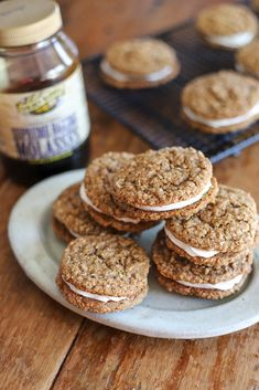Just like the classic lunchtime treat but better–made with fresh ingredients, these homemade oatmeal cream pies will take you back to your childhood days.