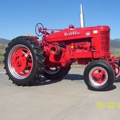 Do you think My 1951 Farmall M Southwestern Style deserves to win the Steiner Tractor Parts Photo Contest?  Have your say and vote today for your favorite antique tractor photos!