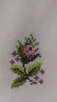1 million+ Stunning Free Images to Use Anywhere Cross Stitch Pillow, Cross Stitch Rose, Simple Cross Stitch, Cross Stitch Flowers, Cross Stitch Embroidery, Embroidery Patterns, Hand Embroidery, Cross Stitch Designs, Cross Stitch Patterns
