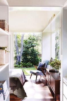 Etc Inspiration Blog Bright Mid Century Modern Sydney Australia Home Via Home Life Large Windows Bedroom Sideboard Danish Chair 1 photo Etc-Inspiration-Blog-Bright-Mid-Century-Modern-Sydney-Australia-Home-Via-Home-Life-Large-Windows-Bedroom-1.jpg