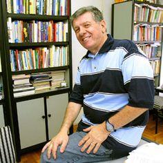 Wilson da Costa Bueno, jornalista e professor de Jornalismo Especializado em Comunicação Empresarial, fala sobre a diferença entre imagem e reputação, mídiais sociais, consumo consciente e outras oportunidades e desafios para os comunicadores