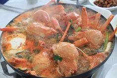 경상북도 울진 대게 매운탕  날이 쌀쌀하니 대게 매운탕이 땡기네요.. 저녁식사 맛있게 드세요  South Korea travel to Gyeongsangbuk-do Uljin, food Spicy crab