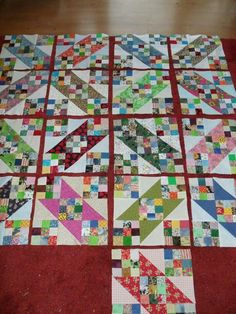 Cute Quilts, Scrappy Quilts, Quilting Projects, Quilting Designs, Postage Stamp Quilt, Scrap Quilt Patterns, Geometric Quilt, Nine Patch Quilt, Charm Quilt