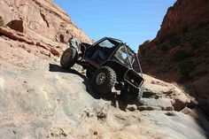 How to Drive Your Jeep on Difference Surfaces - Steep hills