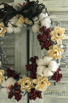 Cotton bolls and berries wreath Christmas Door, Rustic Christmas, Christmas Time, Christmas Wreaths, Christmas Decorations, Winter Wreaths, Xmas, Crafts For Teens To Make, Diy And Crafts