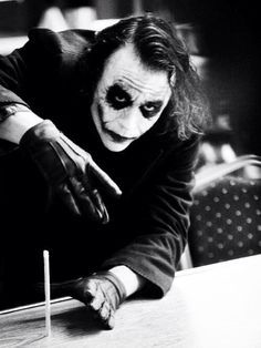 The Dark Knight // Heath Ledger As The Joker My all time favourite villain Joker Batman, Heath Ledger Joker, Joker Art, Funny Batman, Batman Art, Der Joker, Joker Und Harley Quinn, The Dark Knight Trilogy, Batman The Dark Knight
