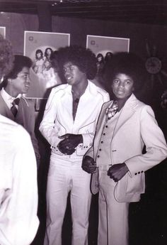 Jackson 1974 - Cuteness in black and white ღ The Jackson Five, Jackson Family, Jermaine Jackson, Photos Of Michael Jackson, King Of Music, The Jacksons, Motown, Boy Bands, Most Beautiful