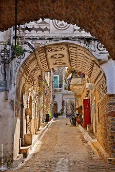 Χιος Chios, Alleyway, Paradise On Earth, Greece Islands, Greece Travel, The Locals, Perfect Place, Adventure Travel, Street Photography