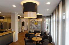 Art-Con Hamburg Obnjakteinrichtug recepcja/bar Hotel Sprenz Oldenburg - lampy na zamówienie
