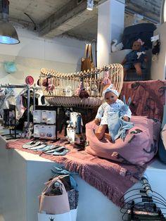 Wir machen das leben mit Kinder schöner! @storchenstube  #babyzimmer #babylove #shopping #natur #kidsroom #futuremaman  #loveinteriorplanning  #shopping @storchenstube Shops, Future Maman, Design, Shopping, Nature, Life, Kids, Nice Asses, Tents