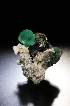 Fluorite Size:W35mm×H38mm×D25mm Erongo mountain, Usakos and Omaruru districts, Erongo region, Namibia