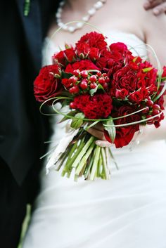 red bride bouquet