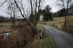 The entrance to the Kuener farm is seen in Chadds Ford, Pa. The late artist Andrew Wyeth lived in the area and often painted on the farm. Andrew Wyeth Paintings, Andrew Wyeth Art, Jamie Wyeth, Nc Wyeth, Chadds Ford, New York School, Winslow Homer, House Landscape, Landscape Paintings