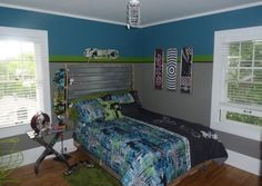 Boy's teen bedroom design