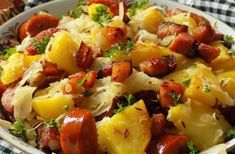 Inspirující recepty od našich čtenářek | ŽENY s.r.o. Czech Recipes, Ethnic Recipes, Pork Tenderloin Recipes, Fruit Salad, Food Videos, Ham, Potato Salad, Food Porn, Food And Drink