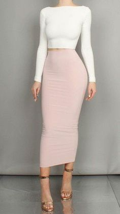 Stylish Long Skirt Spring Outfits Ideas 24 Source by Classy Outfits, Chic Outfits, Spring Outfits, Teen Outfits, Modest Outfits, Long Skirt Outfits, Pencil Skirt Outfits, Look Fashion, Fashion Models
