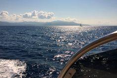 Reisebericht // Verliebt in Hatha Yoga und Griechenland - Juni 2016   Anfang Juni machte ich mich mal wieder auf den Weg nach West-Griechenland in das wunderschöne Ilios-Center zwischen Epirus-Gebirge und Ionischem Meer. Es ist kein Zufall, dass ich diesen Ort schon das dritte Mal zusammen mit einer Yogagruppe besuchte: Das Ilios-Center ist ein Ort zum Wohlfühlen und Barfuß-Laufen. Die Natur dort lädt ein, in den Tag hinein zu leben und vor sich hin zu träumen. Die Menschen sind so…
