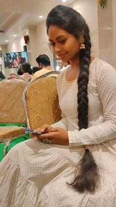 Indian Long Hair Braid, Elon Musk, Braids For Long Hair, Hair Photo, Braided Hairstyles, Cardio, Desi, Beautiful Women, Long Hair Styles