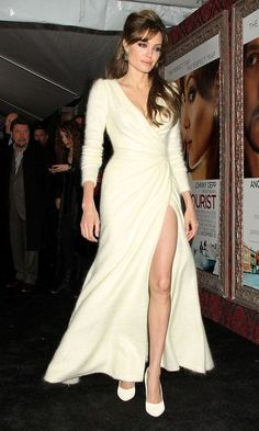 Angelina Jolie Wows In A Dress By Atelier Versace At The Tourist New York Film Premiere, 2010 - the best look of all time. Angelina Jolie Style, Brad And Angelina, The Tourist Angelina Jolie, Sexy Dresses, Beautiful Dresses, Evening Dresses, Wrap Dresses, Long Dresses, Beautiful Women