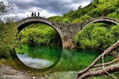 Tρίτοξο γεφύρι του Πλακίδα ή Καλογερικό, Ήπειρος, Μάνος Γαμπιεράκης - Bridge of Plakida or Kalogeriko, Zagori, Epirus, Hellas, by M. Gampierakis Γεφύρι του Πλακίδα ή Καλογερικό Πρόκειται για ένα τρίτοξο γεφύρι που χτίστηκε το 1814 και βρίσκεται κοντά στα χωριά Κήποι και Κουκούλι του Κεντρικού Ζαγορίου