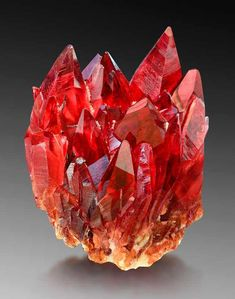 bijoux-et-mineraux: Rhodochrosite - N'Chwaning Mine Kuruman Northern Cape Prov. Minerals And Gemstones, Rocks And Minerals, Natural Crystals, Stones And Crystals, Gem Stones, Crystal Aesthetic, Beautiful Rocks, Mineral Stone, Rocks And Gems