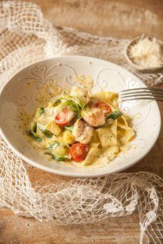 Rezept: Low-Carb One-Pot-Pasta mit Zoodles und Lachs in Senfsoße