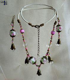 Rose Inn - Parure collier et boucles d'oreille aux pendants printaniers en cristal et nacre - 25.50€