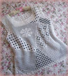 Blusa em crochê filê muito bonita
