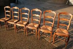 A lovely set of 6 French ladder-back chairs with rush seats.