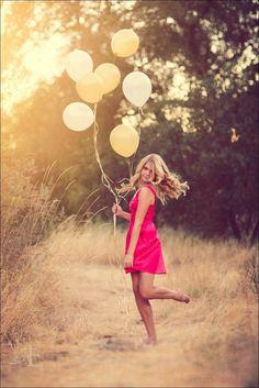 Trendy Birthday Photoshoot With Balloons Senior Pics Ideas Teen Photo Shoots, Girl Photo Poses, Picture Poses, Balloons Photography, Birthday Photography, Photography Poses, Sweet 16 Pictures, Debut Photoshoot, Senior Pictures Balloons