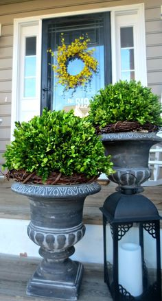 Down to earth style: preserved boxwood makeover home front porch flowers, f Front Door Plants, Front Porch Flowers, Front Door Decor, Entrance Decor, Porch Urns, Front Porch Planters, Front Porches, Porch Topiary, Porch Roof