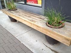 Planter bench- wouldn't be too hard (for my husband) to make! Planter Bench, Planter Boxes, Planters, Patio Ideas, Outdoor Ideas, Garden Ideas, Outdoor Decor, Outdoor Benches, Crafts To Make