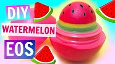 The best DIY projects & DIY ideas and tutorials: sewing, paper craft, DIY. DIY Watermelon EOS Video Description This tutorial shows you how to make a tinted EOS lip balm out of crayons and vaseline. DIY Rainbow EOS: If you How To Make Lipstick, Diy Lipstick, Lipstick Holder, Lipsticks, Eos Lip Balm, Lip Balms, Mini Pinatas, Eos Diy, Watermelon Crafts