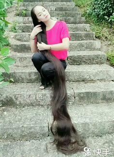 Real Rapunzel, Rapunzel Hair, Really Long Hair, Super Long Hair, Long Hair Video, Bun Hairstyles For Long Hair, Beautiful Long Hair, Pure Beauty, Hair Videos