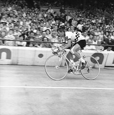 Tour de France 1964, Tom Simpson , number 32, he finished the race on the  14th place.