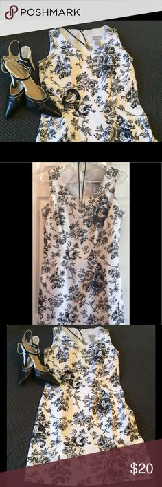 "CLASSIC BLACK AND WHITE FLORAL DRESS EUC‼️ Perfect for all occasions!  Classic silhouette and styling! About 17"" across the chest and about 35""length Collection by Cherokee Dresses Midi"