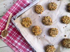 Egal ob fürs Picknick, Grillen oder als Burger: diese veganen Linsenbratlinge schmecken einfach immer. Gesund, glutenfrei & fettarm!