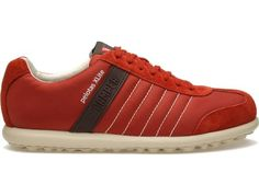 Pelotas XL comes as a dark red lace up sneaker made of suede leather.
