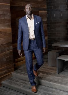 Feb WWSF : linen suit....keep it casual with no neckwear and a crisp pocket square