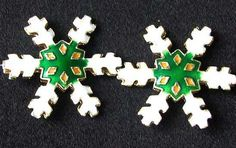TWO Green CLOISONNE Snowflake CENTERPIECE Beads 8638C - Premium Bead