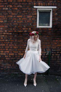 Fletcher Foley flowers  Wilderness Bride dress  Jenn Brookes photography